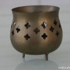 Antigüedades: RECIPIENTE DE BRONCE PARA INCIENSO U OTROS - DIAMETRO 7 CM ALTURA 6 CM PESO 95 GR. Lote 156744622