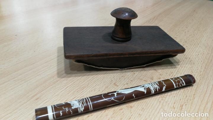 Antigüedades: Antiguo secante de tinta y rara especie de pluma o algo así - Foto 3 - 156746546