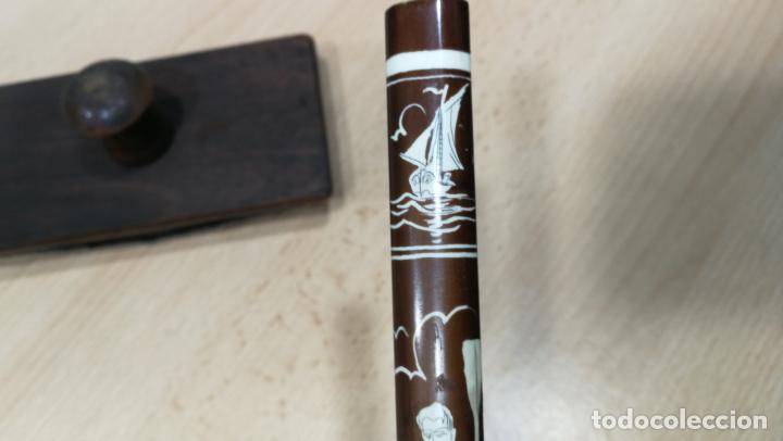 Antigüedades: Antiguo secante de tinta y rara especie de pluma o algo así - Foto 8 - 156746546