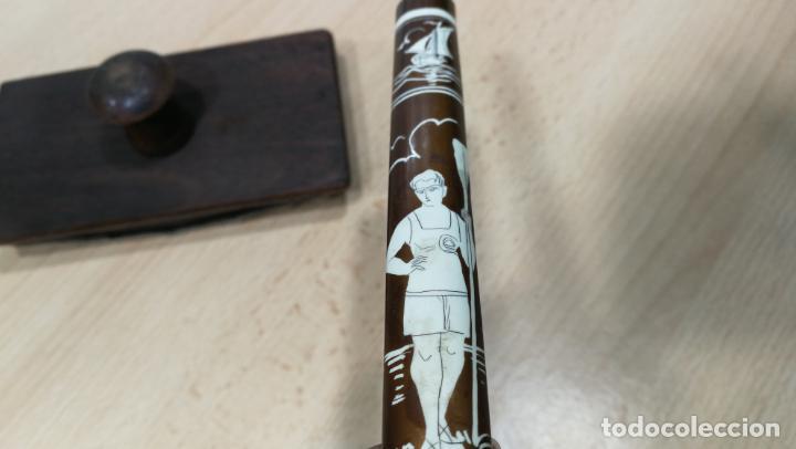 Antigüedades: Antiguo secante de tinta y rara especie de pluma o algo así - Foto 9 - 156746546