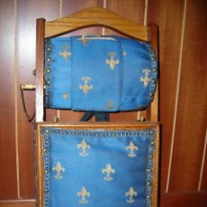 Antigüedades: ANTIGUA ALMOHADA VERTICAL COSTURERO CON RODILLO PARA ENCAJES DE BOLILLOS.. Lote 156751306