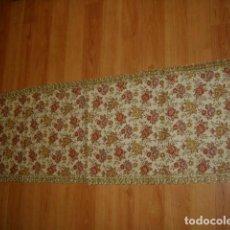 Antigüedades: TAPETE PASAMANERIA.. Lote 156757682