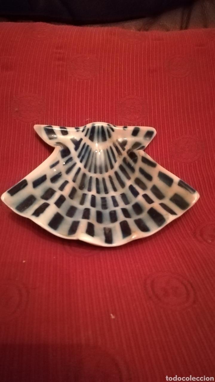 CONCHA DE PORCELANA DE SAGARDELOS (Antigüedades - Porcelanas y Cerámicas - Sargadelos)