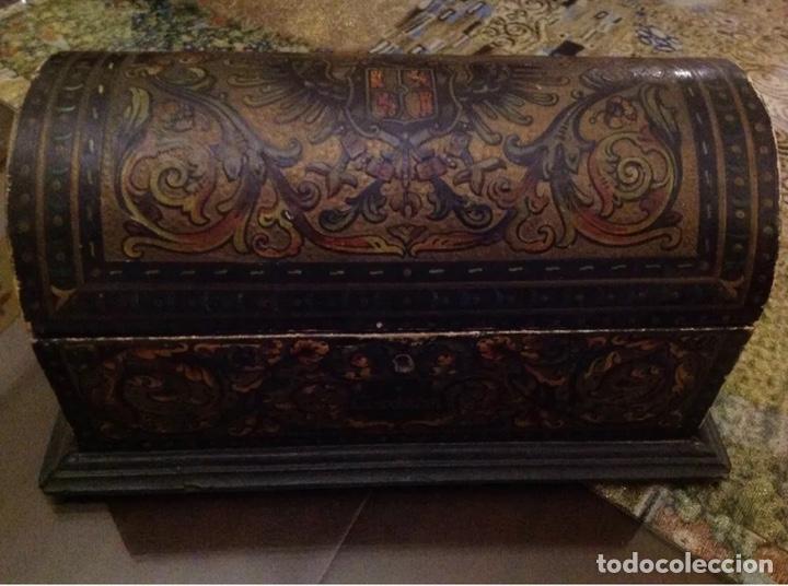Antigüedades: ANTIGUO COFRE CON ESCUDOS DE CÓRDOBA - Foto 2 - 156772316