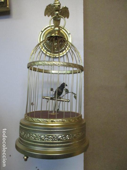 Antigüedades: Preciosa Jaula con Soporte de Bronce - Pájaro Colibrí, Autómata - Francia - Principios S. XX - Foto 25 - 156794682