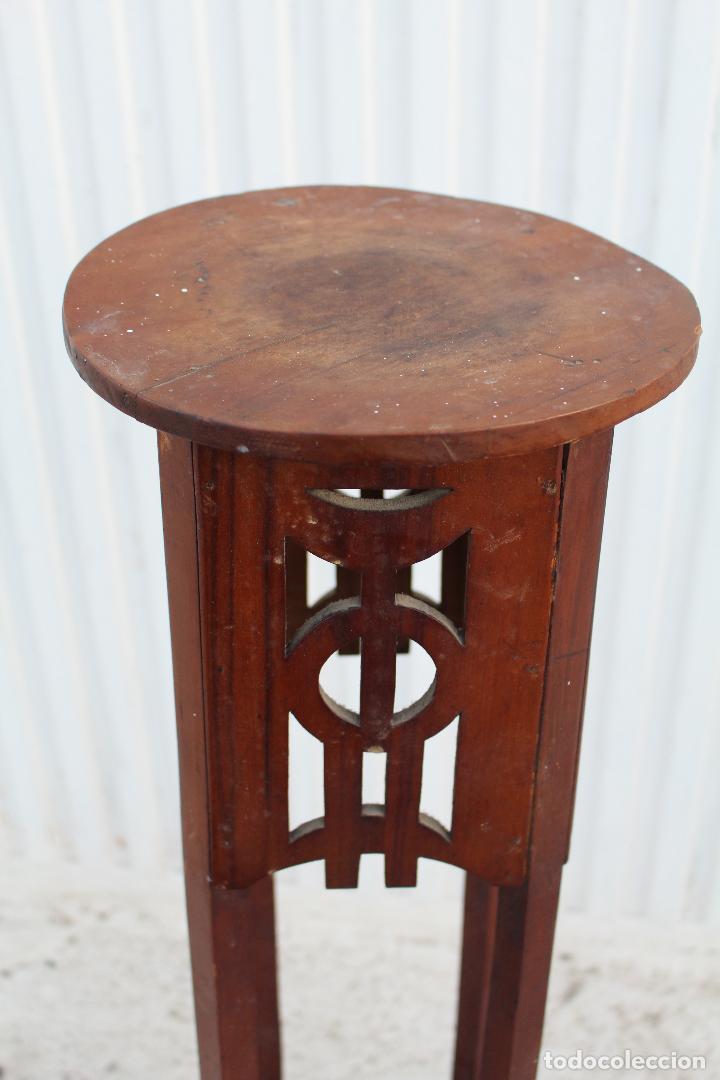 Antigüedades: mesita jardinera peana en madera de nogal - Foto 2 - 156796582