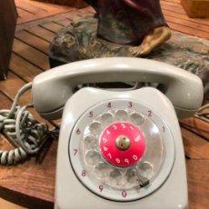 Antigüedades: TELEFONO ERICSSON COLOR GRIS - AÑOS 50. Lote 156815630