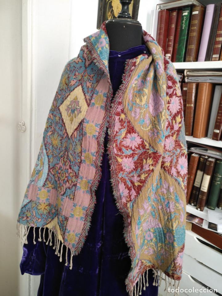 Antigüedades: manton mantoncillo fular pañuelo rectangular lana brocado 2 ver caras 170 x 49 cm aproximadamente - Foto 2 - 156848606