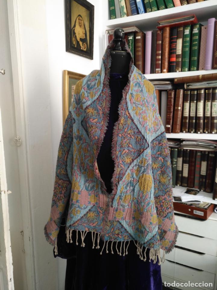 Antigüedades: manton mantoncillo fular pañuelo rectangular lana brocado 2 ver caras 170 x 49 cm aproximadamente - Foto 6 - 156848606