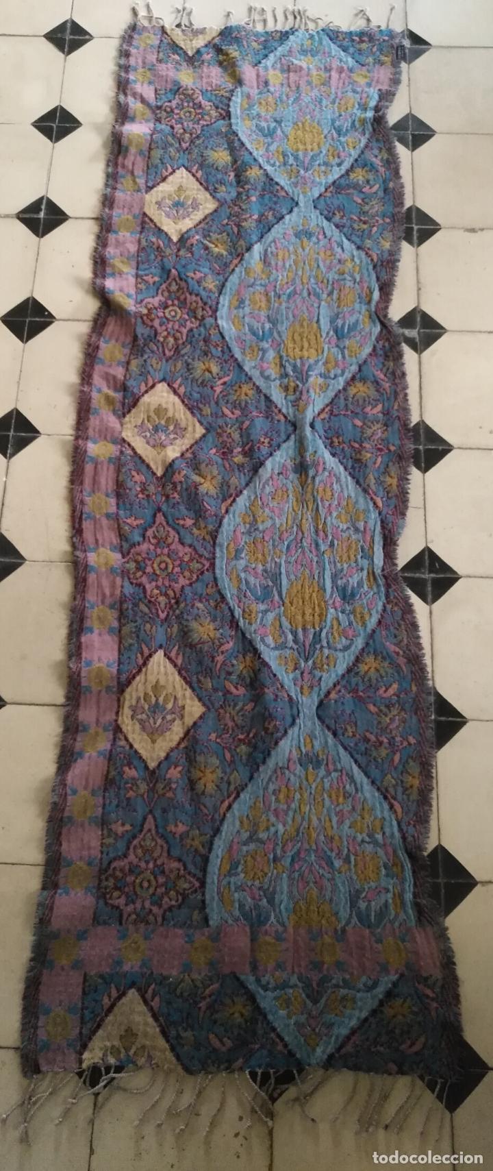 Antigüedades: manton mantoncillo fular pañuelo rectangular lana brocado 2 ver caras 170 x 49 cm aproximadamente - Foto 8 - 156848606