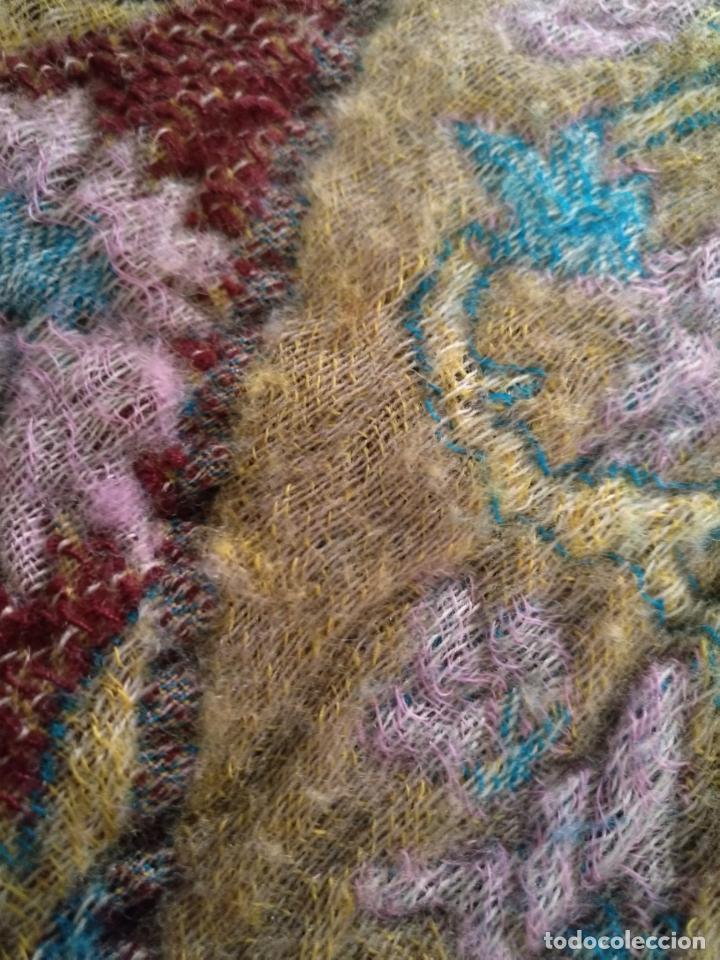 Antigüedades: manton mantoncillo fular pañuelo rectangular lana brocado 2 ver caras 170 x 49 cm aproximadamente - Foto 21 - 156848606