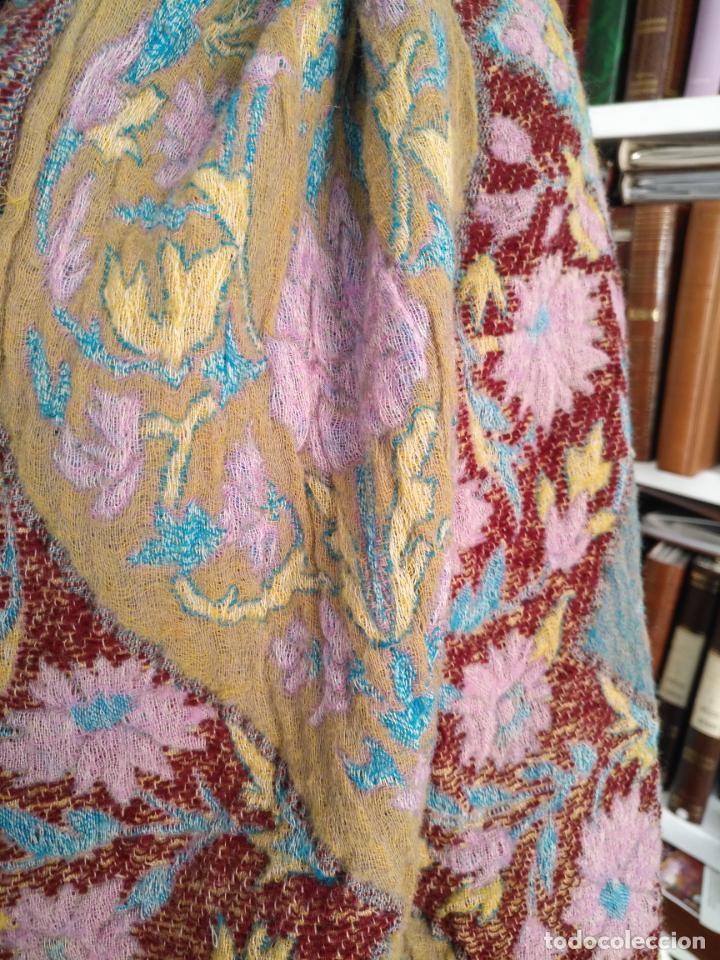 Antigüedades: manton mantoncillo fular pañuelo rectangular lana brocado 2 ver caras 170 x 49 cm aproximadamente - Foto 25 - 156848606