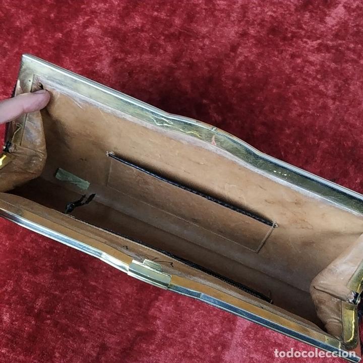 Antigüedades: BOLSO DE MANO PARA SEÑORA. PIEL DE SERPIENTE CHAROLADA EN NEGRO. ESPAÑA. CIRCA 1950 - Foto 19 - 156860502