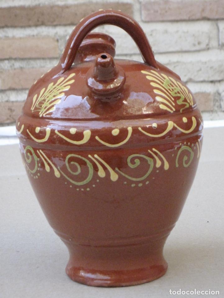 Antigüedades: BOTIJO EN CERAMICA VIDRIADA EN MELADO CON DIBUJOS A LA BORBOTINA: - Foto 2 - 156881374