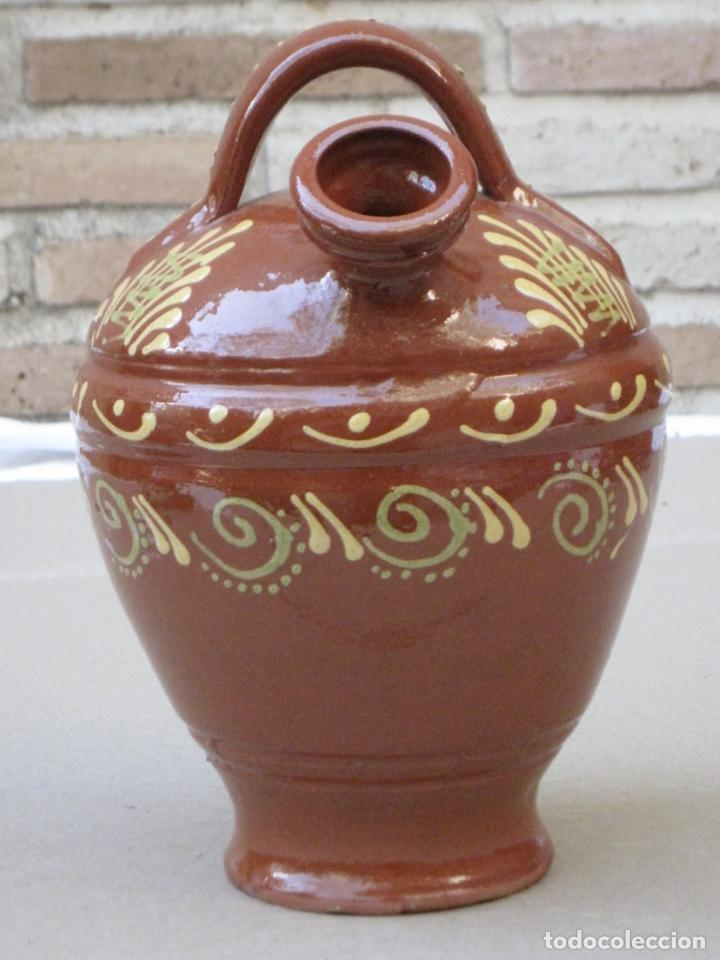 Antigüedades: BOTIJO EN CERAMICA VIDRIADA EN MELADO CON DIBUJOS A LA BORBOTINA: - Foto 4 - 156881374