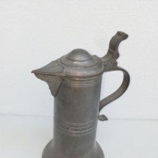 Antigüedades: GRAN JARRA DE CERVEZA ALEMANA DE ESTAÑO ESTILO BARROCO. MARCA EN BASE. Lote 156883110