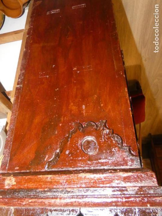 Antigüedades: Armario de sacristía- capilla finales siglo XVIII .114 x 67 x 30 cms. bien conservado, sin llave - Foto 10 - 195322151