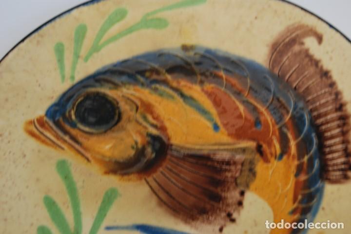 Antigüedades: PLATO DE CERÁMICA DE LA BISBAL - PEZ - Foto 2 - 156901110