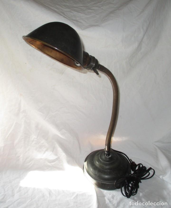 ANTIGUO FLEXO FABRICADO EN ALICANTE POR VRS Y CÍA. EN LOS AÑOS 20/30. VINTAGE INDUSTRIAL. (Antigüedades - Iluminación - Lámparas Antiguas)
