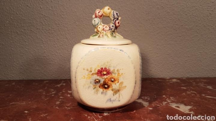 AZUCARERO / BOMBONERA DE CERAMICA PINTADA A MANO. ANTONIO PEYRO. (Antigüedades - Porcelanas y Cerámicas - Otras)