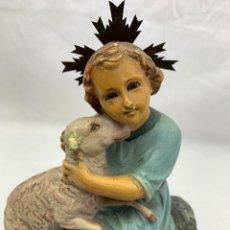 Antigüedades: FIGURA NIÑO JESUS PASTOR EN PASTA MADERA. Lote 156923198