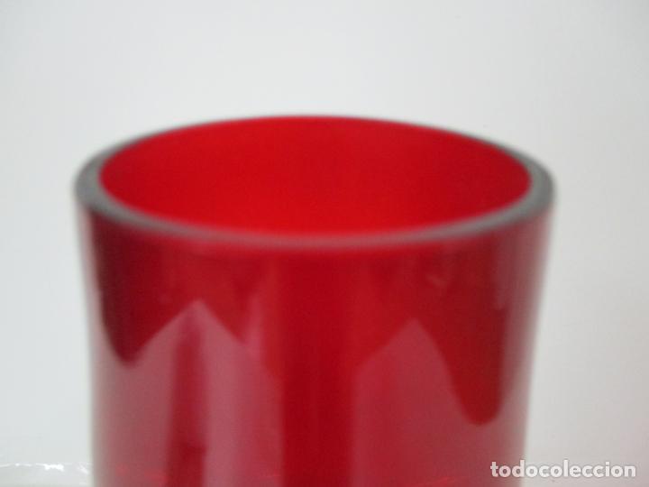 Antigüedades: Bonito Centro de Mesa - Botella - Cristal Soplado, Color Rojo - 40 cm Altura - Retro, Vintage - Foto 5 - 156950342