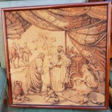 Antigüedades: ANTIGUO TAPIZ ENMARCADO 47 CM X 47 CM - ESCENA MORISCA. Lote 156985377