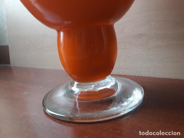 Antigüedades: Copa de cristal de murano color naranja- jarrón centro de mesa - Foto 3 - 157023934