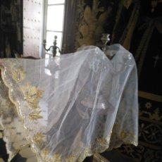 Antigüedades: TUL BORDADO TOCADO VIRGEN PICO SEMANA SANTA CONFECCIONES TRAJE NIÑO JESUS TOCA SOBREMANTO. Lote 157223090