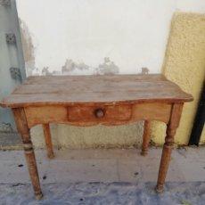 Antigüedades: ANTIGUA MESA DE COCINA DE NOGAL. Lote 195291378