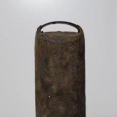 Antigüedades: GRAN CENCERRO CON BADAJO DE 30 CM. BUEN ESTADO Y BONITO SONIDO. Lote 157296902
