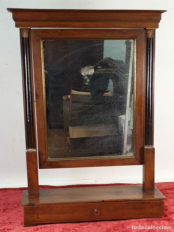 ESPEJO DE TOCADOR. MADERA Y CRISTAL. ESTILO IMPERIO. ITALIA. SIGLO XIX. (Antigüedades - Muebles Antiguos - Espejos Antiguos)