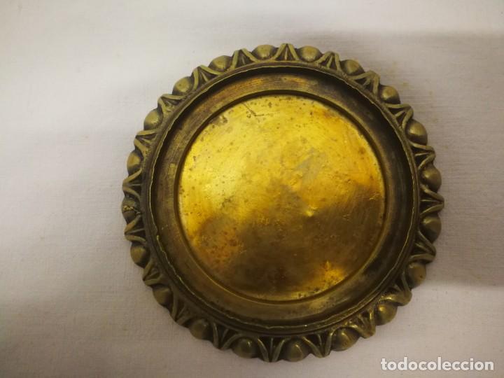 Antigüedades: CURIOSA PIEZA EN BRONCE /METAL DORADO - Foto 4 - 157338238