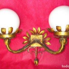 Antigüedades: GRAN APLIQUE FORJA DORADA AL PAN DE ORO MIDCENTURY . Lote 157348450