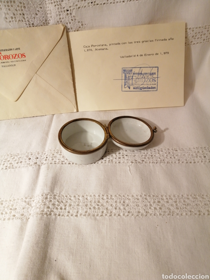 Antigüedades: Caja pastillero porcelana pintada mano. Las Tres gracias. Firma1870. Con certificado autenticidad. - Foto 2 - 157404462