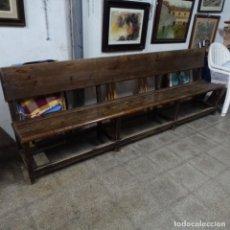 Antigüedades: BANCO DE IGLESIA EN BUEN ESTADO.MUY ANTIGUO.260 CM.. Lote 157539538