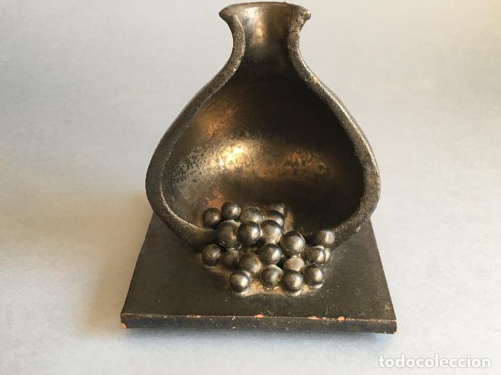 Antigüedades: PRECIOSA PIEZA DE TERRACOTA EN FORMA DE GRANADA O JARRON PARTIDO - Foto 2 - 157677486