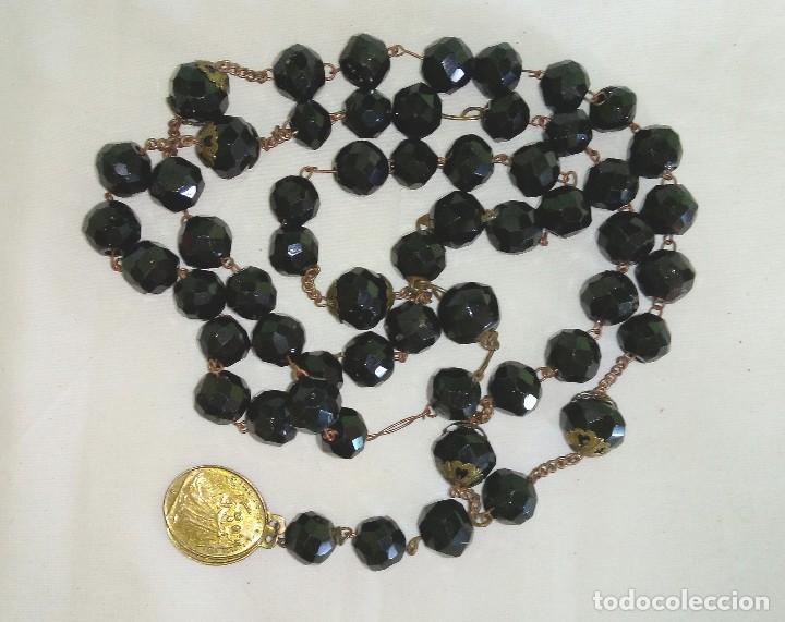 ROSARIO ANTIGUO DEL SIGLO XIX EN ONIX NEGRO TALLADO Y DORADOS (Antigüedades - Religiosas - Rosarios Antiguos)