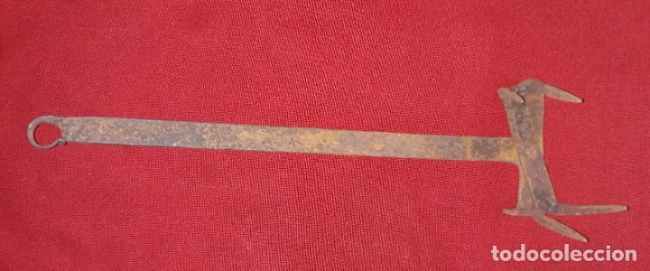 Antigüedades: TOSTADOR DE PAN DE HIERRO FORJADO - Foto 6 - 157723846