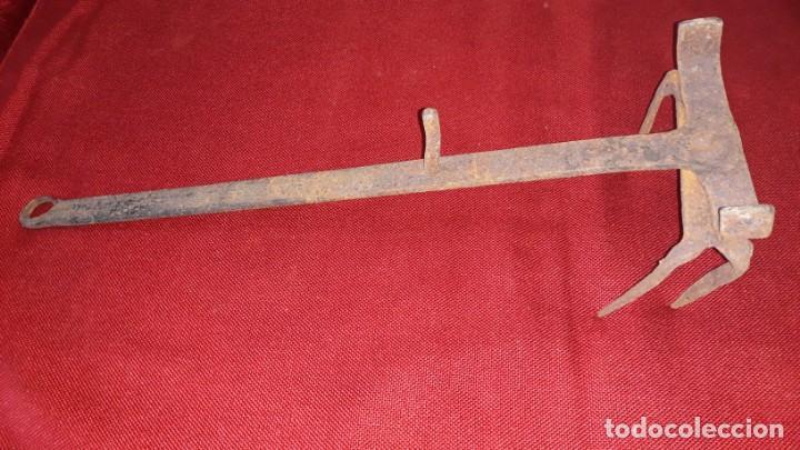 Antigüedades: TOSTADOR DE PAN DE HIERRO FORJADO - Foto 5 - 157723846