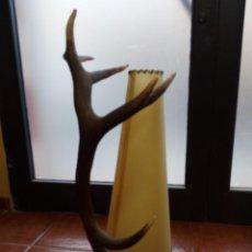 Antigüedades: LAMPARA CUERNA DE CIERVO,DECORACION,IMPRESIONANTE UNICA. Lote 157743618