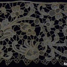 Antigüedades: ANTIGUO ENCAJE DE VENECIA S. XIX. Lote 157768130