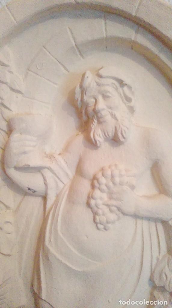 Antigüedades: Bonito y original plafon medallon de Baco, dios del vino. - Foto 2 - 157802766