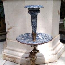 Antigüedades: CENTRO DE PORCELANA Y BRONCE. Lote 157819849