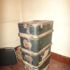 Antigüedades: BAÚL DE MADERA Y CUERO. Lote 157903346