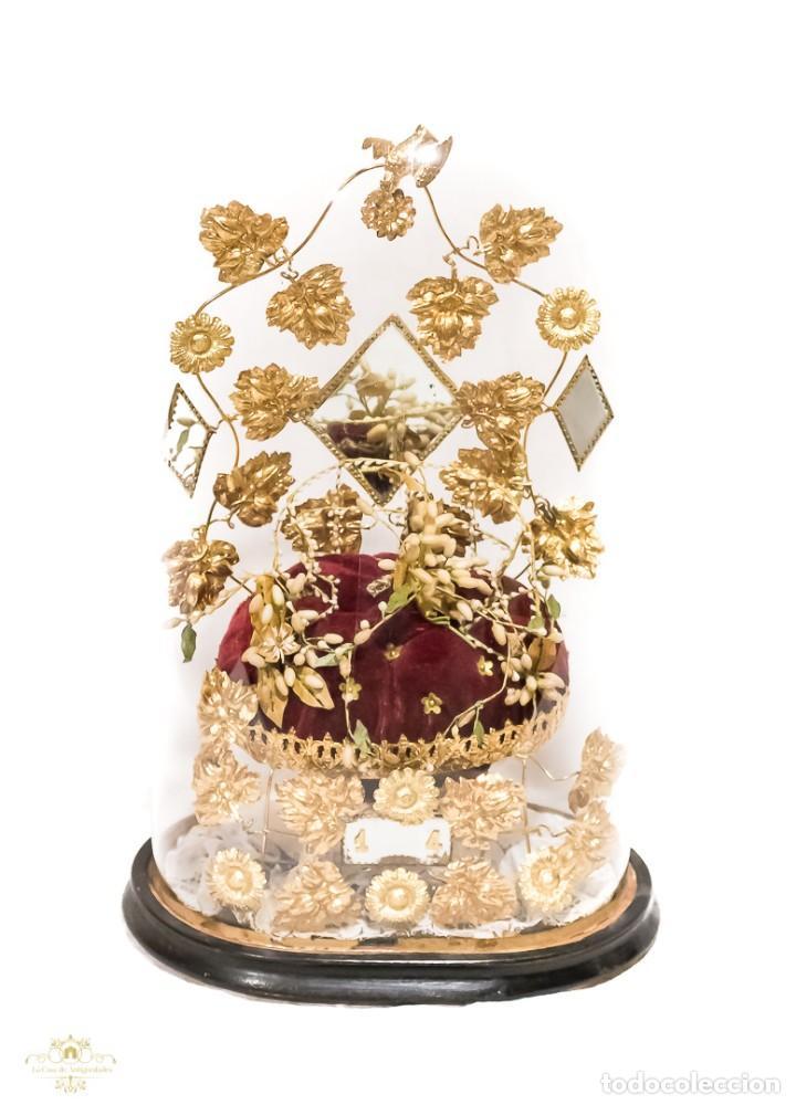 Antigüedades: Antiguo fanal o globo de novia con su cúpula en cristal soplado. - Foto 2 - 157904602