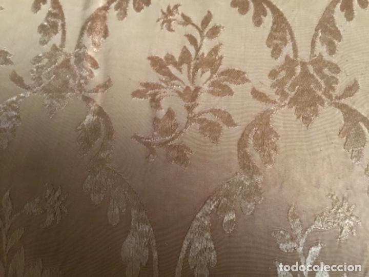 Antigüedades: colcha Isabelina brocado en seda ,232 de largo x 220 de ancho - Foto 6 - 157909178
