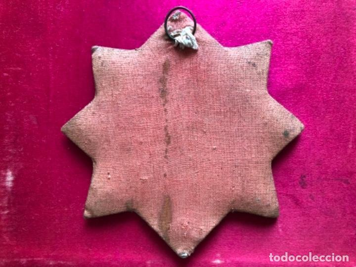 Antigüedades: Gran y antiguo escapulario con corazón traspasado hilos de seda y encajes metálicos. S.XIX - Foto 2 - 157914162