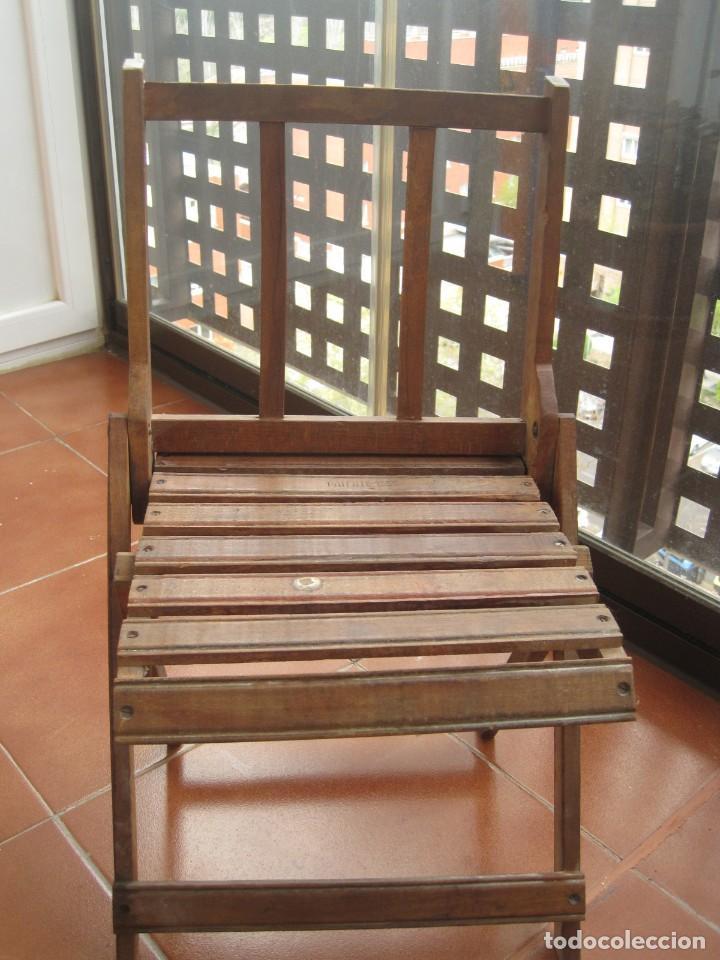 ANTIGUA SILLA DE NIÑO PLEGABLE EN MADERA (Antigüedades - Muebles Antiguos - Sillas Antiguas)