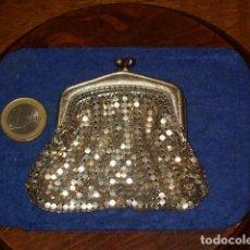 Antigüedades: PEQUEÑO MONEDERO DE MALLA O METAL.. Lote 157962854